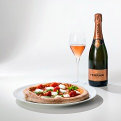 Neapolitan Pizza with Ferrari Rosé